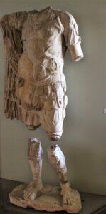 Statua loricata acefala, I secolo d.C., Museo Archeologico di Vicenza